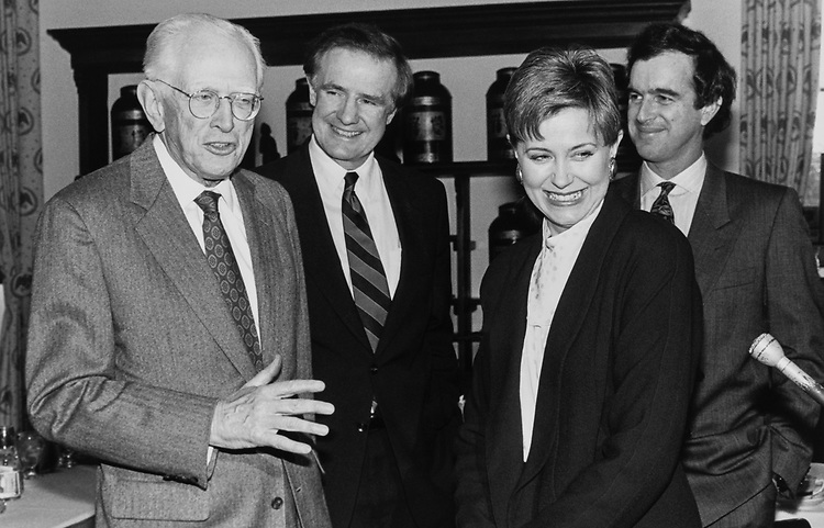 Sen. Howard Metzenbaum, D-Ohio, hosts a Lucnheon for Jane Pauley (former Today Show host) with Sen. Donald W. Riegle, D-Mich., and Garry Trudeau in Nov. 30, 1989. (Photo by Maureen Keating/CQ Roll Call)