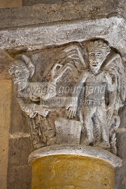 Europe/France/Auverne/63/Puy-de-Dôme/Parc Naturel Régional des Volcans/Saint-Nectaire: L'église de Saint-Nectaire est une église romane -  détail chapiteau: Tentation du Christ au désert