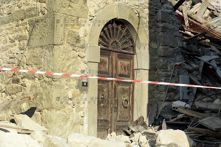 Illica, Rieti, 26 Agosto 2016.<br /> Edifici crollati ad Illica, frazione di Accumoli. <br /> L'Italia &egrave; stata colpita da un potente, terremoto di 6,2 magnitudo nella notte del 24 agosto, 2016, che ha ucciso almeno 290 persone .<br /> Collapsed buildings  in Illica, a hamlet of Accumoli, earthquake epicenter in central Italy was struck by a powerful, 6.2-magnitude earthquake in the night of August 24, 2016, Which has killed at least 290 people and devastated hundreds of houses.