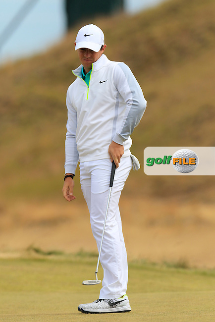 Rory MCILROY (NIR) takes his putt on the 17th green during Thursday's Round 1 of the 2015 U.S. Open 115th National Championship held at Chambers Bay, Seattle, Washington, USA. 6/18/2015.<br /> Picture: Golffile | Eoin Clarke<br /> <br /> <br /> <br /> <br /> All photo usage must carry mandatory copyright credit (&copy; Golffile | Eoin Clarke)