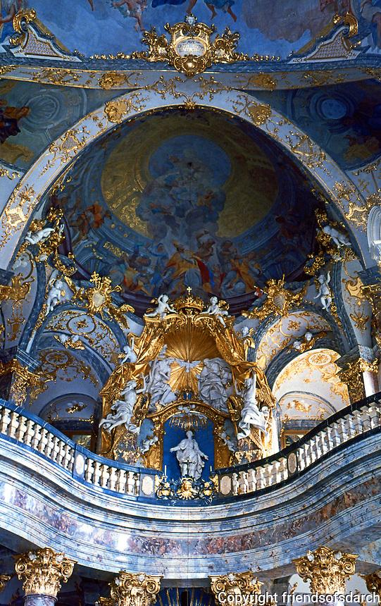 Wurzburg: Wurzburg Palace. Altar der Oberkirche in der Hofkirche.