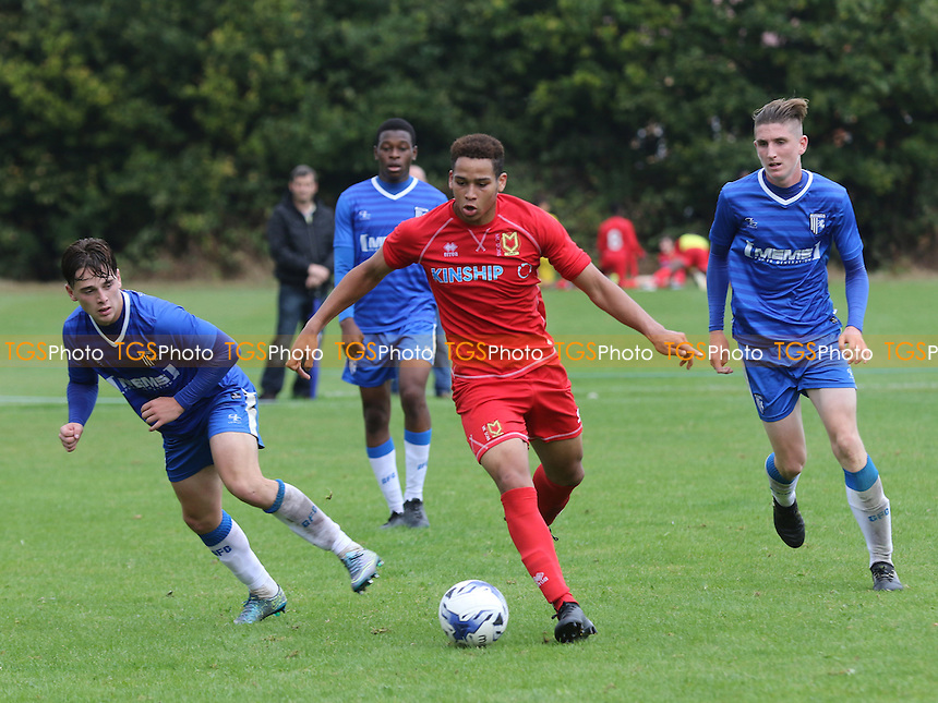 Sam Nombe of MK Dons in action during Gillingham Under-18 vs Milton Keynes Dons Under-18, EFL Youth Alliance Football at Beechings Cross, Gillingham FC Training Ground on 8th October 2016
