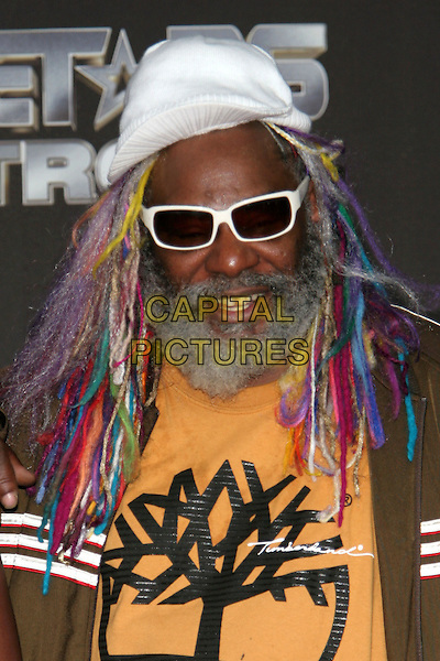 GEORGE CLINTON. 25 Strong: The BET Silver 25th Anniversary Special - Press Room held at the Shrine Auditorium, Los Angeles, California..October 26th, 2005.Photo: Zach Lipp/AdMedia/Capital Pictures.Ref: ZL/ADM/CAP.headshot portrait sunglasses shades braids plaits beard facial hair string yarn dreadlocks.www.capitalpictures.com.sales@capitalpictures.com.© Capital Pictures.