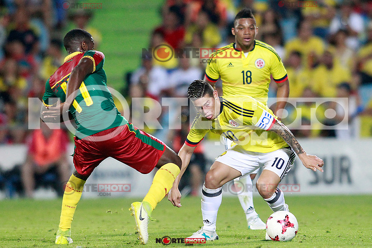 Colombia's James Rodriguez (c) and Frank Fabra (r) and Cameroon's Arnaud Djoum during international friendly match. June 13,2017.(ALTERPHOTOS/Acero) (NortePhoto.com) (NortePhoto.com)