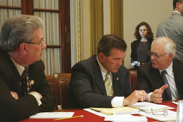 4/10/02.RIDGE MEETS WITH HOUSE TREASURY-POSTAL APPROPRIATIONS SUBCOMMITTEE-- John E. Peterson, R-Pa., Office of Homeland Security Director Tom Ridge, and Don Sherwood, R-Pa., during a photo opp of a meeting with Ridge and House Treasury-Postal Appropriations Subcommittee members..CONGRESSIONAL QUARTERLY PHOTO BY SCOTT J. FERRELL