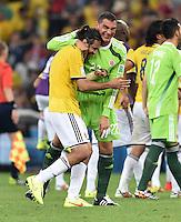 FUSSBALL WM 2014                ACHTELFINALE Kolumbien - Uruguay                  28.06.2014 Torwart Faryd Mondragon (li) und Mario Yepes (li, beide Kolumbien) jubeln nach dem Abpfiff