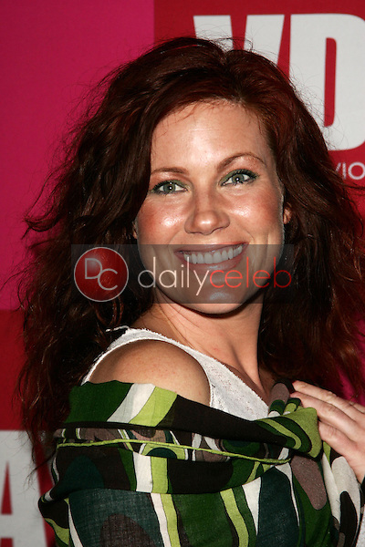 """Elisa Donovan<br />at the opening night of Eve Ensler's """"The Good Body"""" to Benefit VDAY. Wadsworth Theatre, Brentwood, CA. 02-01-06<br />Scott Kirkland/DailyCeleb.Com 818-249-4998"""