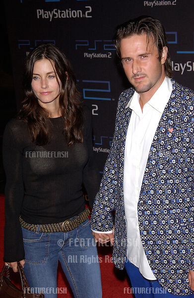 Actress COURTNEY COX ARQUETTE & actor husband DAVID ARQUETTE at one-year anniversary party, in Los Angeles, for the Sony Playstation  2..18OCT2001. © Paul Smith/Featureflash