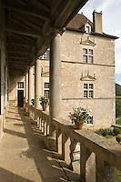 Europe/France/Midi-Pyrénées/46/Lot/Cénevières: le Château- la façade nord et sa galerie renaissance