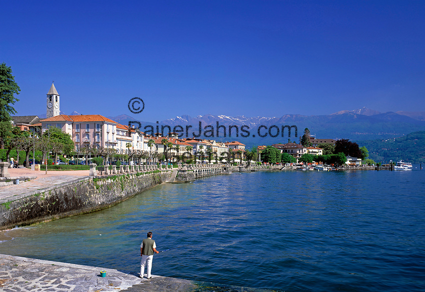 ITA, Italien, Piemont, Lago Maggiore, Badeort Baveno: Promenade und Schiffsanlegestelle | ITA, Italy, Piedmont, Lago Maggiore, Resort Baveno