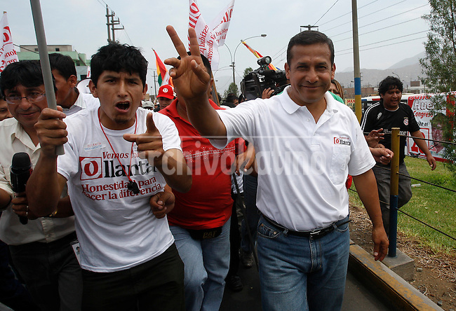 Presidential candidate Ollanta Humala in campaign <br /> in Lima, Peru, Sunday, March 27, 2011.