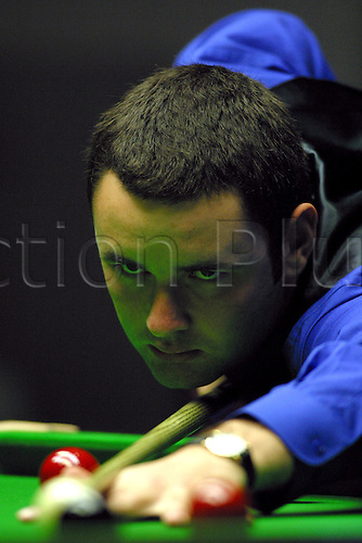 November 08, 2003: Close-up of Scottish player STEPHEN MAGUIRE during his first round match against Selby in the 2003 British Open Snooker Finals. MAGUIRE beat Selby 5 - 3, Brighton Centre. Photo: Glyn Kirk/Action Plus...snooker 031108