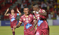 IBAGUÉ - COLOMBIA, 02-11-2017: Marco Perez (Der) jugador del Deportes Tolima celebra después de anotar el primer gol de su equipo a Deportivo Pasto durante partido por la fecha 18 de la Liga Águila II 2017 jugado en el estadio Manuel Murillo Toro de Ibagué. / Marco Perez (R) player of Deportes Tolima celebrates after scoring the first goalof his team to Deportivo Pasto during match for date 18 of the Aguila League II 2017 played at Manuel Murillo Toro stadium in Ibague cityy. Photo: VizzorImage / Juan Carlos Escobar / Cont