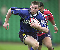 Sport - Rugby 28/04/2002 Parker Pen Shield - Semi-Final.Gloucester vs Sale - Franklin Gardens - Northampton.Steve Hanley on the break..[Mandatory Credit, Peter Spurier/ Intersport Images].