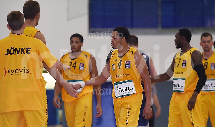 Basketball 1. Bundesliga 2013/2014 Testspiel 02.09.2014 Walter Tigers Tuebingen - MLP Academics Heidelberg Jonathan Wallace (Mitte, Tigers)