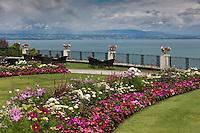 Europe/France/Rhône-Alpes/74/Haute-Savoie/Évian-les-Bains:  Hôtel: Evian Royal Resort - les jardins et la vue sur le Lac Léman