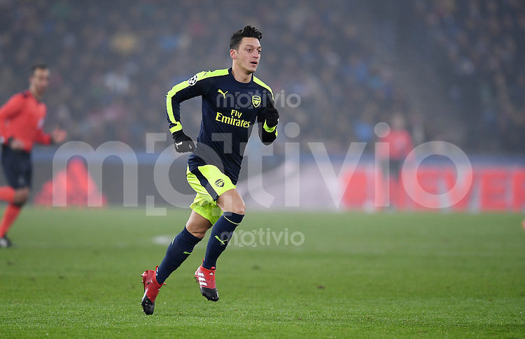 FUSSBALL CHAMPIONS LEAGUE SAISON 2016/2017 GRUPPENPHASE FC Basel - Arsenal London            06.12.2016 Mesut Oezil (Arsenal)