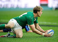 15th March 2014; Andrew Trimble, Ireland, scores a try. RBS Six Nations, France v Ireland, Stade de France, St Denis, Paris. Picture credit: Tommy Grealy/actionshots.ie.