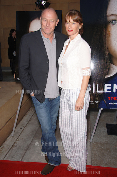 Actor CORBIN BERNSEN & wife actres AMANDA PAYS at the world premiere, in Hollywood, of Silent Hill..April 20, 2006  Los Angeles, CA.© 2006 Paul Smith / Featureflash