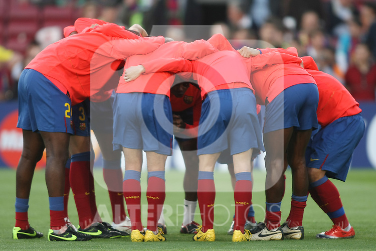 FC Barcelona's players during the UEFA Champions League match.April 28 2009. (ALTERPHOTOS/Acero).