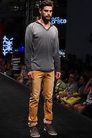 S&Atilde;O PAULO-SP-03.03.2015 - INVERNO 2015/MEGA FASHION WEEK -Grife Invert/<br /> O Shopping Mega Polo Moda inicia a 18&deg; edi&ccedil;&atilde;o do Mega Fashion Week, (02,03 e 04 de Mar&ccedil;o) com as principais tend&ecirc;ncias do outono/inverno 2015.Com 1400 looks das 300 marcas presentes no shopping de atacado.Br&aacute;z-Regi&atilde;o central da cidade de S&atilde;o Paulo na manh&atilde; dessa segunda-feira,02.(Foto:Kevin David/Brazil Photo Press)