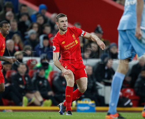 27.12.2016. Anfield, Liverpool, England.  EPL Premiership football, Liverpool versus Stoke. Liverpool midfielder Jordan Henderson plays a through ball.
