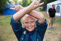 20140805 Vilda-l&auml;ger p&aring; Kragen&auml;s. Foto f&ouml;r Scoutshop.se<br /> Peacetecken, l&auml;gerplats, gr&auml;s, scout, scouter, glad, ler