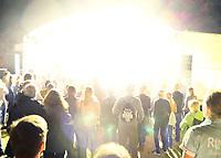 Gro&szlig;-Gerau 24.08.2018: Volk im Schloss<br /> Start der Show der Band Mia mit S&auml;ngerin Mieze Katz (Maria Mummert) als Headliner bei Volk im Schloss mit einem Lichtblitz und Knalleffekt<br /> Foto: Vollformat/Marc Sch&uuml;ler, Sch&auml;fergasse 5, 65428 R'heim, Fon 0151/11654988, Bankverbindung KSKGG BLZ. 50852553 , KTO. 16003352. Alle Honorare zzgl. 7% MwSt.