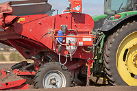 Applying Amistar - Lincolnshire, April