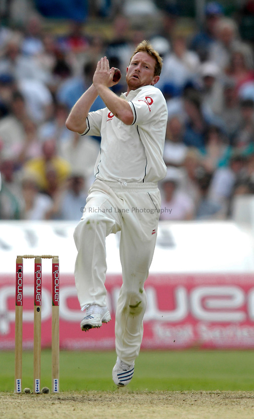 Photo: Jed Wee/Richard Lane Photography..England v West Indies. 3rd Test npower Test Match Series. 08/06/2007...England's Paul Collingwood bowls.