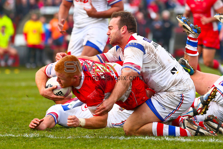 Picture by Alex Whitehead/SWpix.com - 30/03/2014 - Rugby League - First Utility Super League - Hull Kingston Rovers v Wakefield Trinity Wildcats - KC Lightstream Stadium, Hull, England - Hull KR's Kris Keating scores a try.