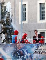 """L'attore statunitense Andrew Garfield arriva all'anteprima del film """"The Amazing Spider-Man 2 - Il potere di Electro"""" a Roma, 14 aprile 2014.<br /> U.S. actor Andrew Garfield arrives for the premiere of the movie """"The Amazing Spider-Man 2"""" in Rome, 14 April 2014.<br /> UPDATE IMAGES PRESS/Riccardo De Luca"""
