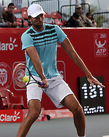 BOGOTA- COLOMBIA 24-07-2015: Ivo Karlovic de Croacia, devuelve la bola a Radek Stepanek de Republica Checa, durante partido del ATP Claro Open Colombia de Tenis en las canchas del Centro de Alto rendimiento en Altura en la ciudad de Bogota. / Ivo Karlovic of Croatia returns the ball to Radek Stepanek of  Czech Republic during a match to the ATP Claro Open Colombia of Tennis in the courts of the High Performance Center in Altura in Bogota City. Photo: VizzorImage / Luis Ramirez / Staff.