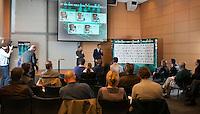 12-01-12, Tennis, Amsterdam, ABNAMRO Hoofdkantoor, Richard Krajicek  neemt het deelnemersveld door