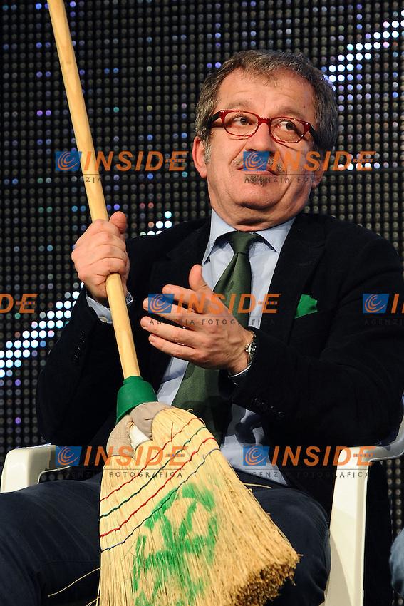 """Lega Nord Bergamo 10/04/2012 - manifestazione """"orgoglio Padano"""" .nella foto: Roberto Maroni .Foto Insidefoto"""