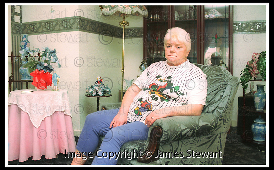 Copright Pic : James Stewart                  .File Name : stewart-mags haney 09.MAGS HANEY IN HER RAPLOCH HOME.....James Stewart Photo Agency, 19 Carronlea Drive, Falkirk. FK2 8DN      Vat Reg No. 607 6932 25.Office : +44 (0)1324 570906     .Mobile : + 44 (0)7721 416997.Fax     :  +44 (0)1324 570906.E-mail : jim@jspa.co.uk.If you require further information then contact Jim Stewart on any of the numbers above.........
