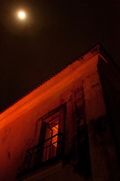 Perigeu lunar, Casa das Onze Janelas, e rio Guamá!9 03 2011Belém Pará BrasilFoto Paulo Santos.