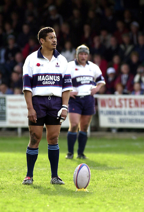Photo. Richard Lane. .Rotherham v Bedford. Allied Dunbar Play Off. 24/5/2000.Mike Umaga.