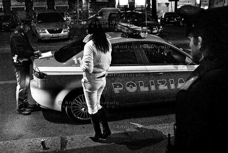 Milano, prostituzione in viale Abruzzi<br /> Milan, prostitution in viale Abruzzi