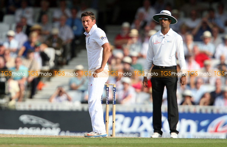 England debutant Simon Kerrigan - England vs Australia - 1st day of the 5th Investec Ashes Test match at The Kia Oval, London - 21/08/13 - MANDATORY CREDIT: Rob Newell/TGSPHOTO - Self billing applies where appropriate - 0845 094 6026 - contact@tgsphoto.co.uk - NO UNPAID USE