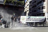 Roma, 28 Gennaio 2014<br /> Flash mob davanti al Dipartimento per le politiche antidroga della Presidenza del Consiglio dei Ministri n Via dei Laterani per chiedere la cancellazione della legge Fini-Giovanardi in vista della manifestazione nazionale contro il proibizionismo dell'8 Febbraio.<br /> i e le manifestanti vestiti da carcerati in gabbia perche consumatori di cannabis