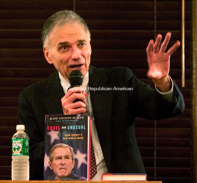 WASHINGTON, CT- 07 SEPT 06- 0907006JT04-<br /> Ralph Nader speaks to an audience at Gunn Memorial Library in Washington about his new book, &quot;The Good Fight.&quot;<br /> Josalee Thrift Republican-American