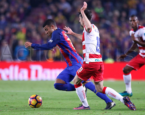 29.10.2016 Barcelona. La Liga football league.  Rafinha in action against Cuenca López during the league game between FC Barcelona against Granada CF at camp nou