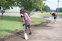Service DAWGS Day:  MSU student volunteers helping at Ability Works.<br />  (photo by Beth Wynn / &copy; Mississippi State University)