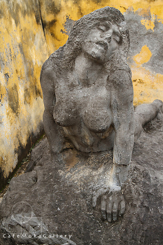 Sculpture of a struggling woman by Madeleine Jouvray ( assistant of Rodin) made in 1917. Now in the theatre ruins, Martinique