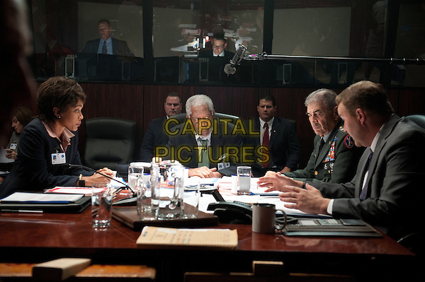 Angela Bassett, Morgan Freeman<br /> in Olympus Has Fallen (2013) <br /> *Filmstill - Editorial Use Only*<br /> CAP/NFS<br /> Image supplied by Capital Pictures