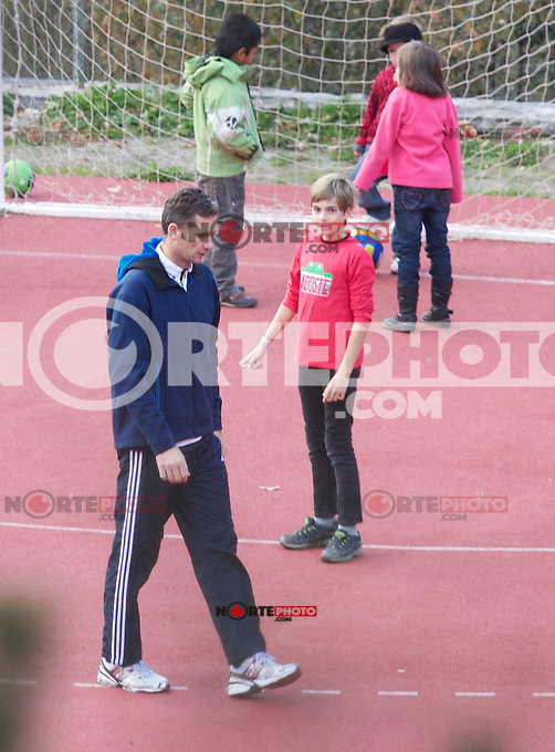 NOVEMBER 09, 2012: .IÑAKI URDANGARIN AND SONS IN BAQUEIRA BERET DURING SPORT DAY.Non Exclusive.Mandatory Credit: OHPIX.COM..Ref: OH_eu /NortePhoto