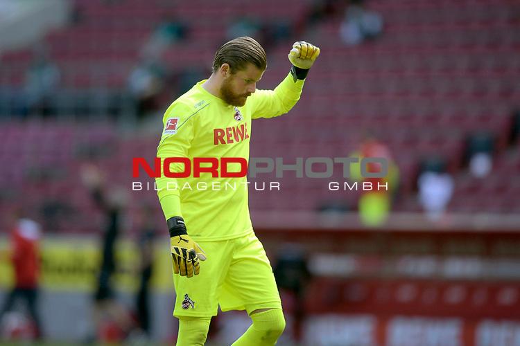 nph00351: Timo HORN  (Torwart 1.FC Koeln)-verhaltener <br /> Jubel nach Tor der Koelner zum 2-0.<br /> Sport: Fussball: 1. Bundesliga: Saison 19/20: 26.Spieltag: 1.FC KOELN-FSV MAINZ 05,17.05.2020.<br /> Foto: Anke Waelischmiller/SVEN SIMON/POOL / via Meuter/nordphoto<br /> <br /> Nur für journalistische Zwecke! Only for editorial use!<br /> Gemäß den Vorgaben der DFL Deutsche Fußball Liga ist es untersagt, in dem Stadion und/oder vom Spiel angefertigte Fotoaufnahmen in Form von Sequenzbildern und/oder videoähnlichen Fotostrecken zu verwerten bzw. verwerten zu lassen. DFL regulations prohibit any use of photographs as image sequences and/or quasi-video.<br /> <br /> <br />  <br /> Foto: Anke Waelischmiller/SVEN SIMON/POOL/via Meuter/nordphoto
