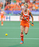 The Hague, Netherlands, June 12: Carlien Dirkse van den Heuvel #9 of The Netherlands runs for the ball during the field hockey semi-final match (Women) between The Netherlands and Argentina on June 12, 2014 during the World Cup 2014 at Kyocera Stadium in The Hague, Netherlands. Final score 4-0 (3-0)  (Photo by Dirk Markgraf / www.265-images.com) *** Local caption ***