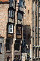 Europe/Belgique/Flandre/Flandre Occidentale/Bruges: Centre historique classé Patrimoine Mondial de l'UNESCO, Maisons flamandes sur le bord du canal: Dijver, vu depuis le quai du Rosaire - Rozenhoedkaai //  Belgium, Western Flanders, Bruges, historical centre listed as World Heritage by UNESCO, Flemish Houses on the canal: Dijver seen from the platform of the Rosary - Rozenhoedkaai